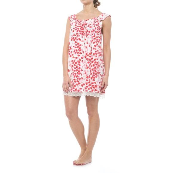 3b99f4ff7a NWT Oscar de la Renta Pink Ruffled Nightgown